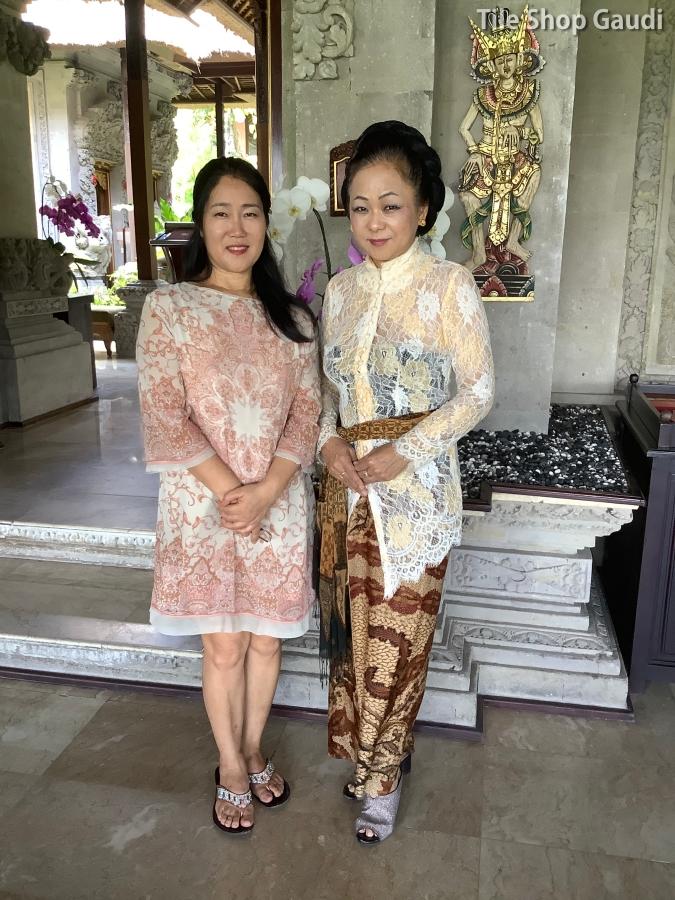 ロイヤルピタマハのマンデラ恵子さんとの写真